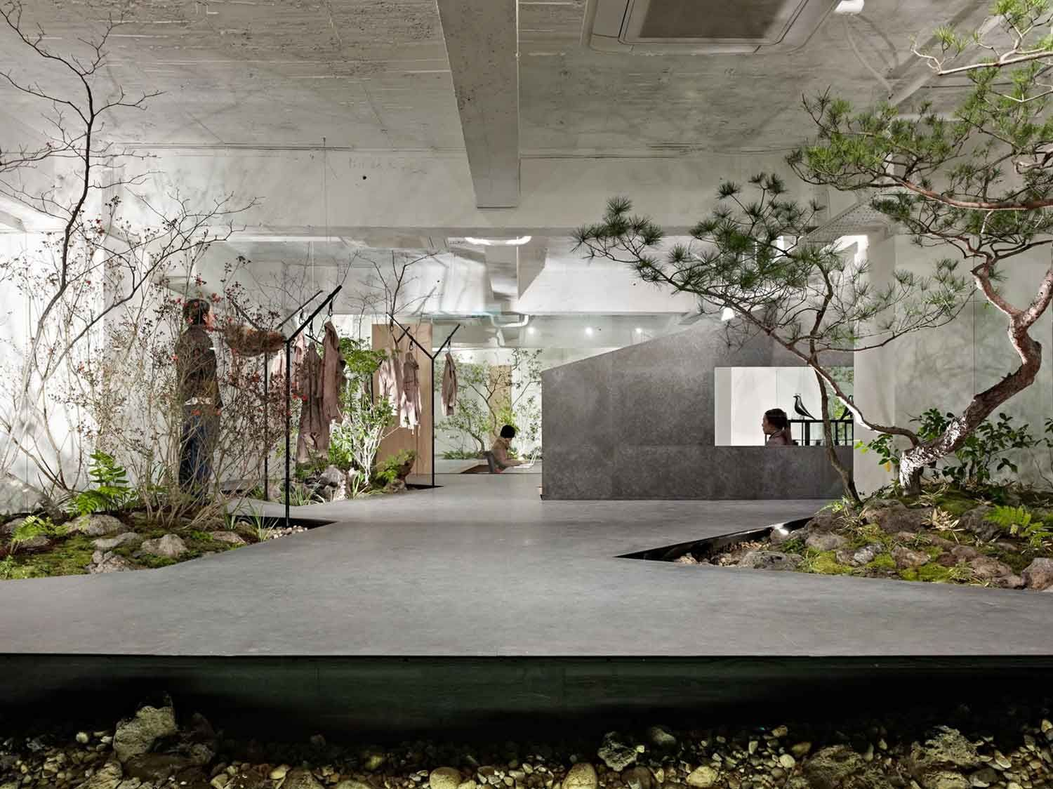 Love Nature Open Space Showroom Integrates Interior Garden