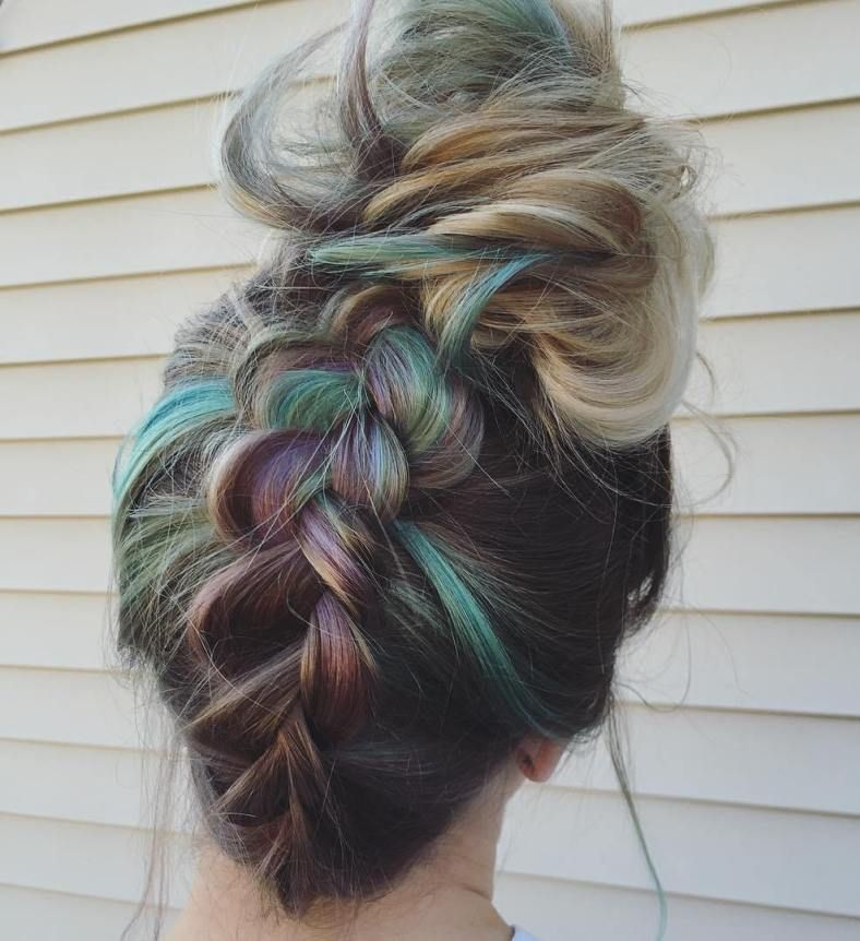 Quick Updos – 30 Ways to Style Your Hair Fast and Easy images