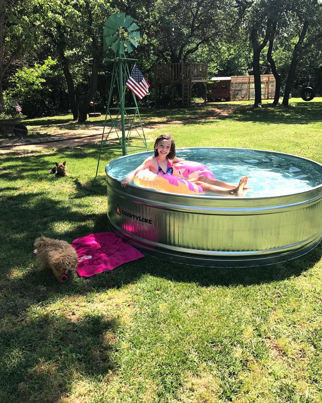 Tractor Supply Stock Tank Pool Is All Set Up And One Little Girl Is Making Some Great Childhood Memories Countyline T Stock Tank Pool Stock Tank Tank Pool