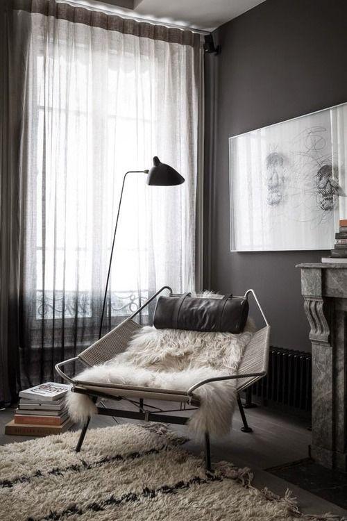 mörka gardiner vardagsrum