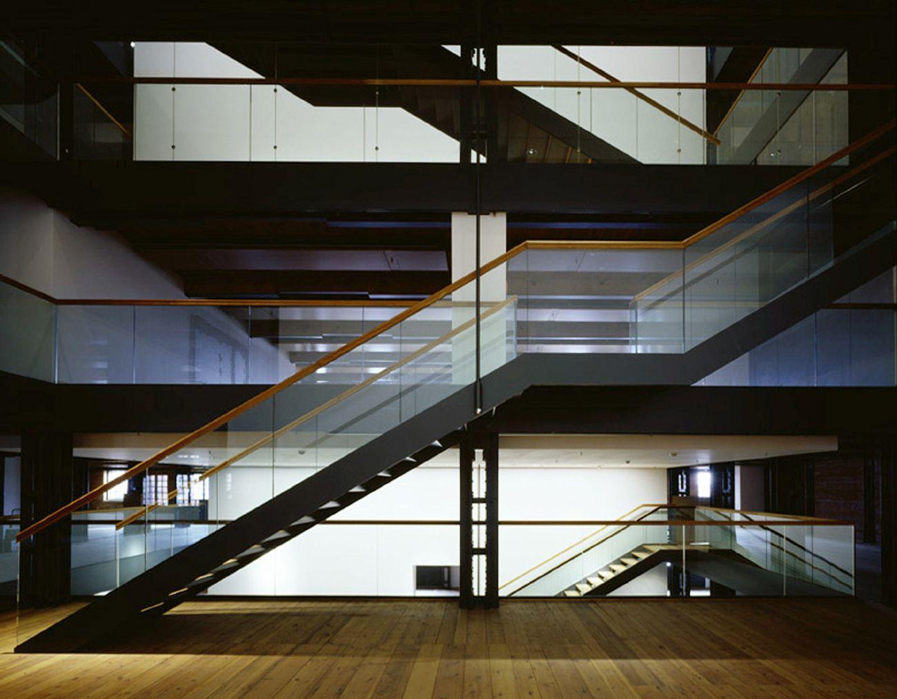 Treppenrenovierung Hamburg atrium mit treppe fotograf klaus frahm international maritime