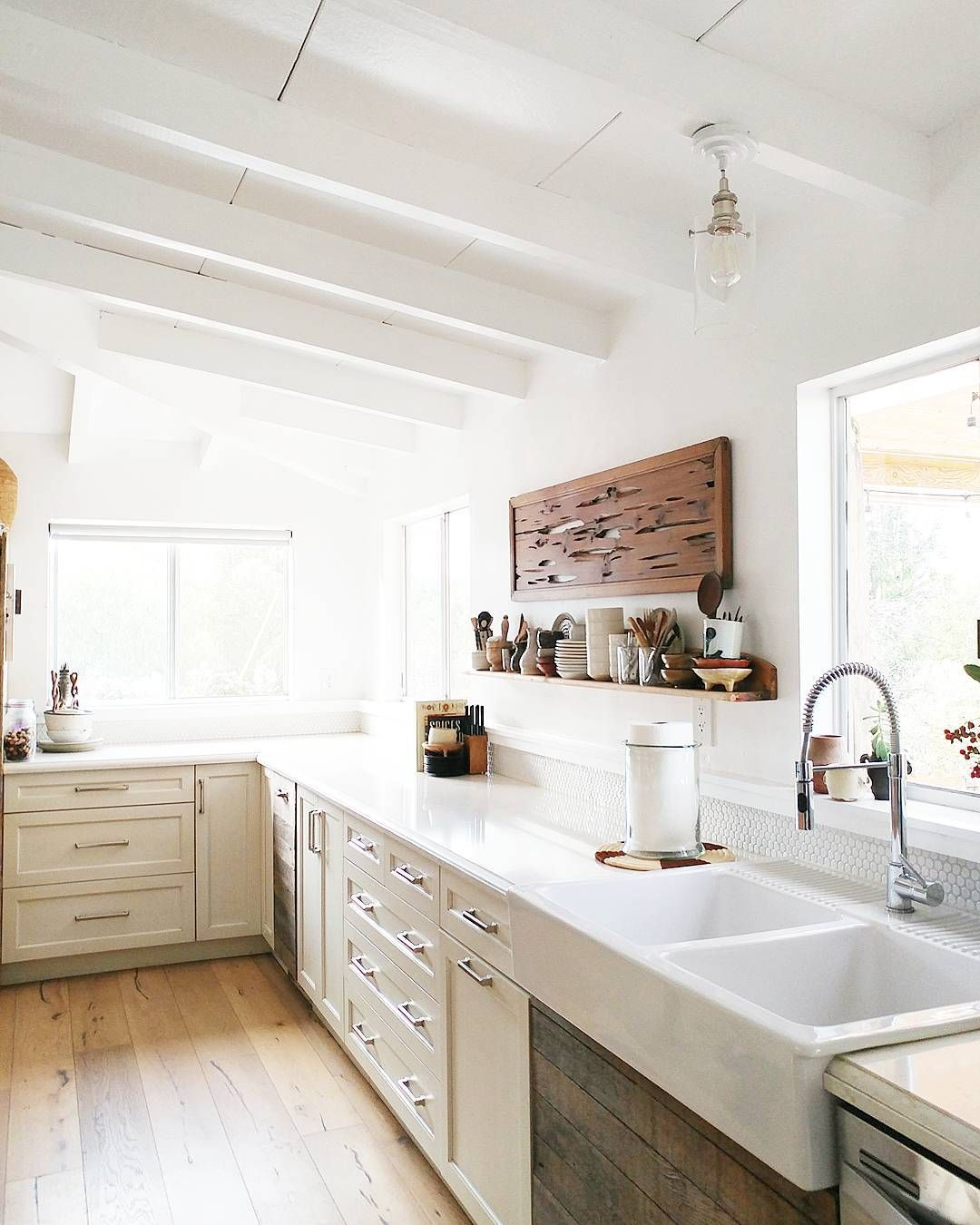 Charming Rustic Kitchen Ideas And Inspirations: Dreaming Of This Bright And Rustic Kitchen In