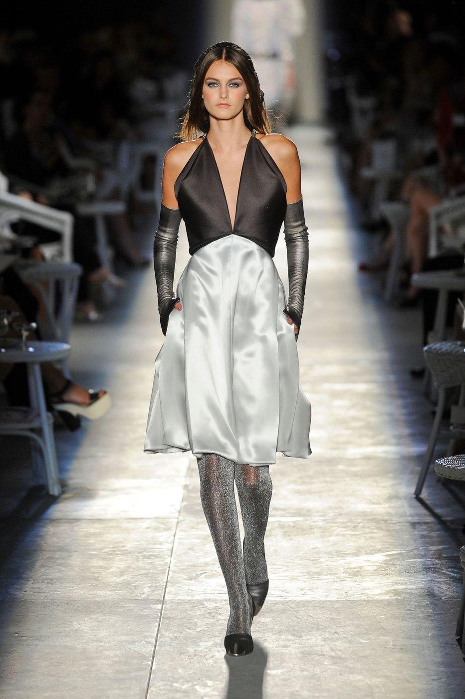 Fashion Show  Неделя Высокой Моды в Париже  Chanel Haute Couture F W 2012  2013 (2 часть) 32a6a7bc1c0