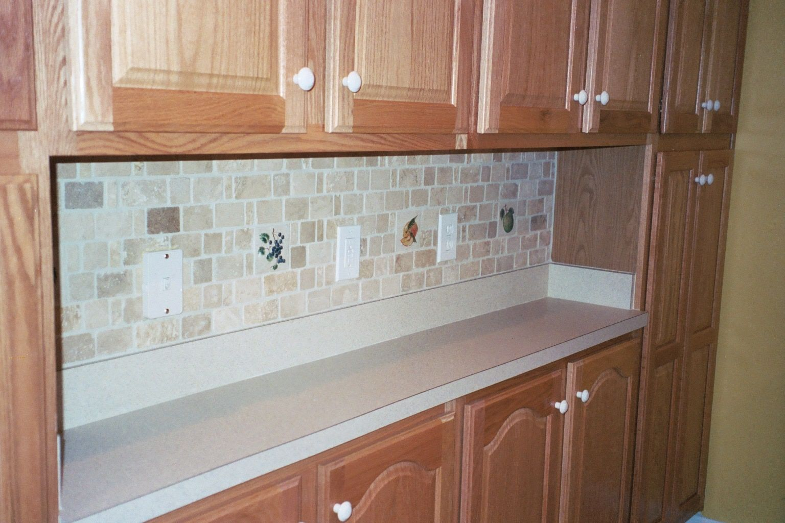 - How To Choose The Back-splash And Tile That Are Right For Your