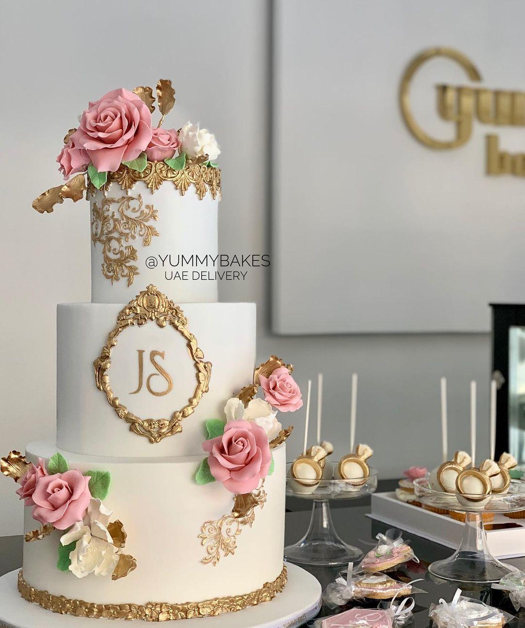 Wedding Cake Wedding Dessert Table كيكه عرس كيكه ملجه كيكه خطوبه كوشه Engagement Cake Wedding Cake Ide Place Card Holders Table Decorations Decor
