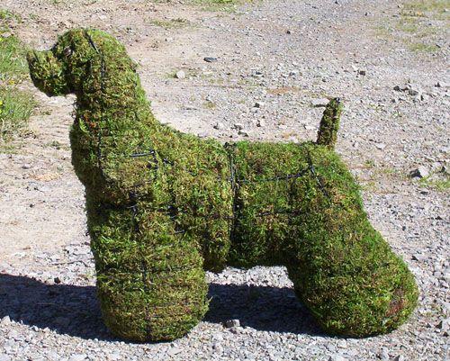 GARDEN STATUES - Moss covered cocker spaniel