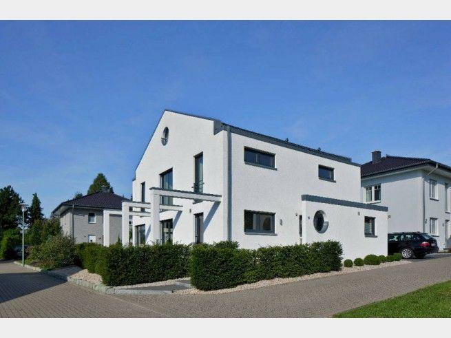 Massivhaus mit garage  Hausansicht Kundenhaus Familie Arndt Massivhaus mit überdachter ...