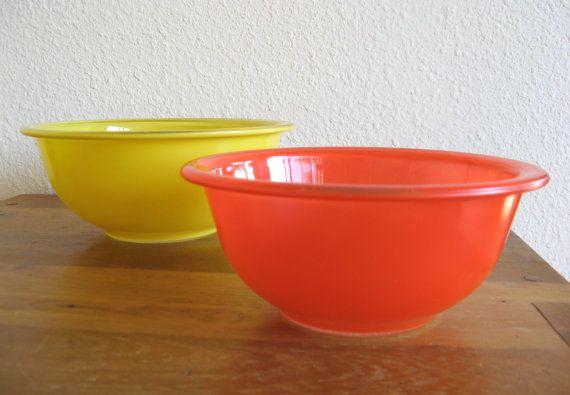 Pyrex Nesting Bowls-Set of 2 by MarketHome on Etsy, $18.00