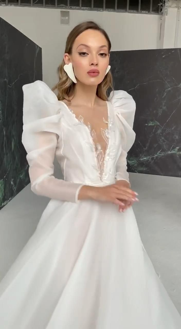 For more information please check out our online shop on Etsy or contact our manager #raraavis #raraavisgroup #weddingdress #weddingdresses #bridalgown #bridal