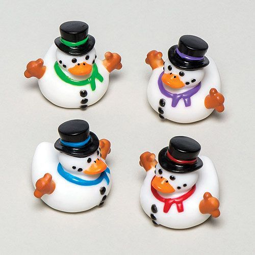 Tesco direct: Snowman Rubber Ducks Small Bathtime Toy for Boys and Girls Perfect Christmas Stocking and Winter Party Bag Filler for Kids (Pack of 4)
