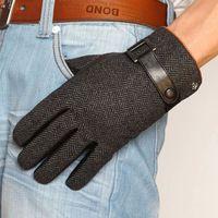 2 colores hombres leatehr guantes de cuero genuino guantes de tela de lana  warmthe guantes de cuero de invierno 421603662e6