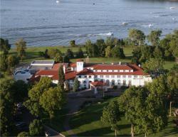 Lafayette Club Lake Minnetonka Wedding Venue