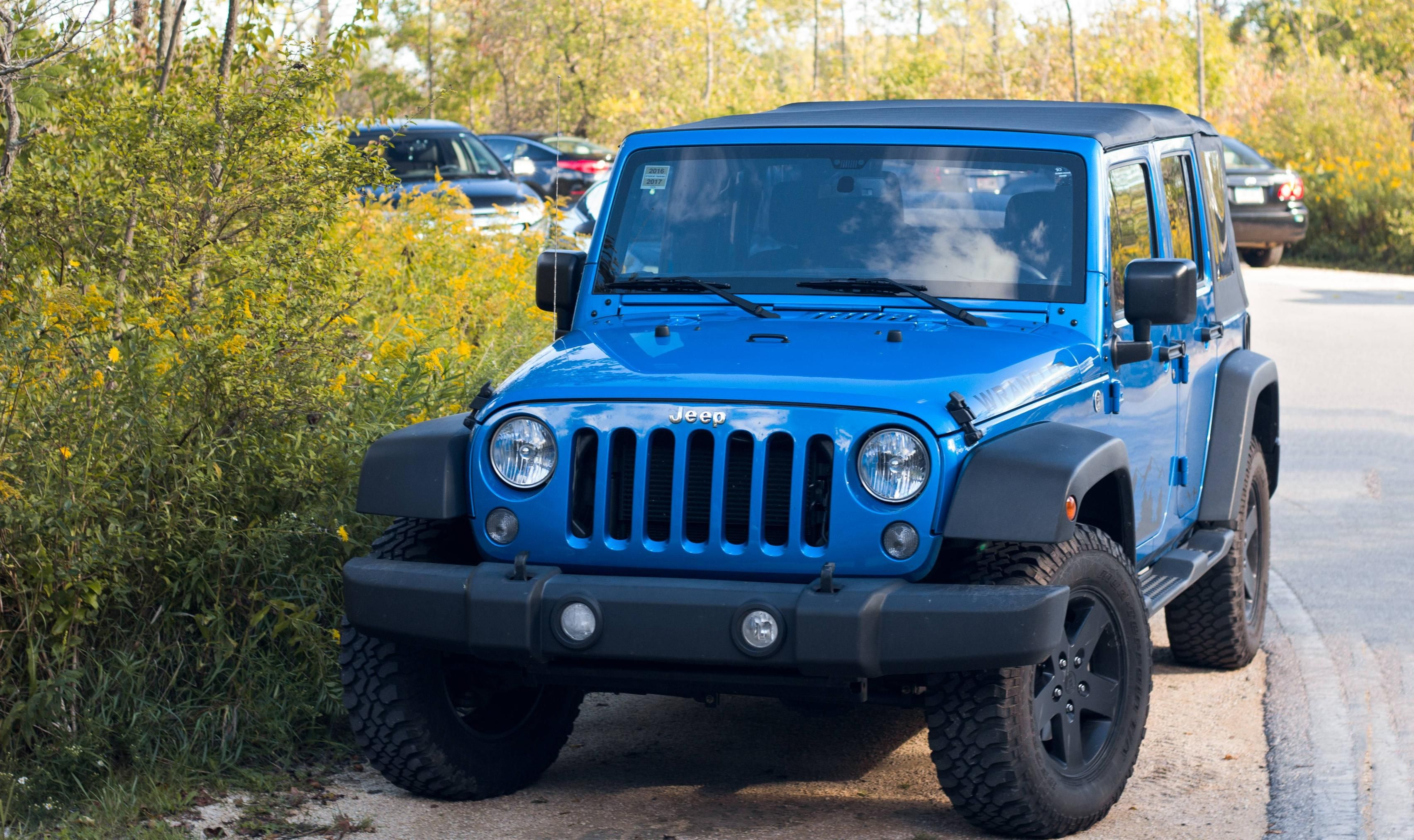 Not Mine But I Figured You Guys Would Appreciate This Bright Blue Jeep I Found Jeep Jeeplife Wrangler Jeeps Cherokee Jeepmafia Blue Jeep Jeep Jeep Life