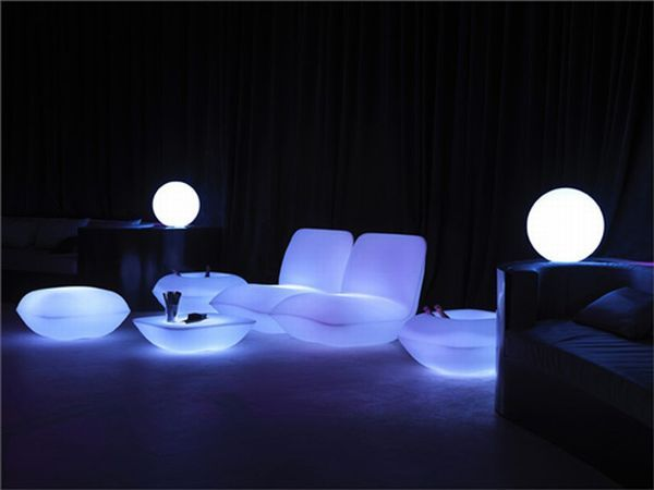 Attractive Vondom Pillow Patio Furniture Glows In The Dark To Offer A  Different Night Atmosphere.