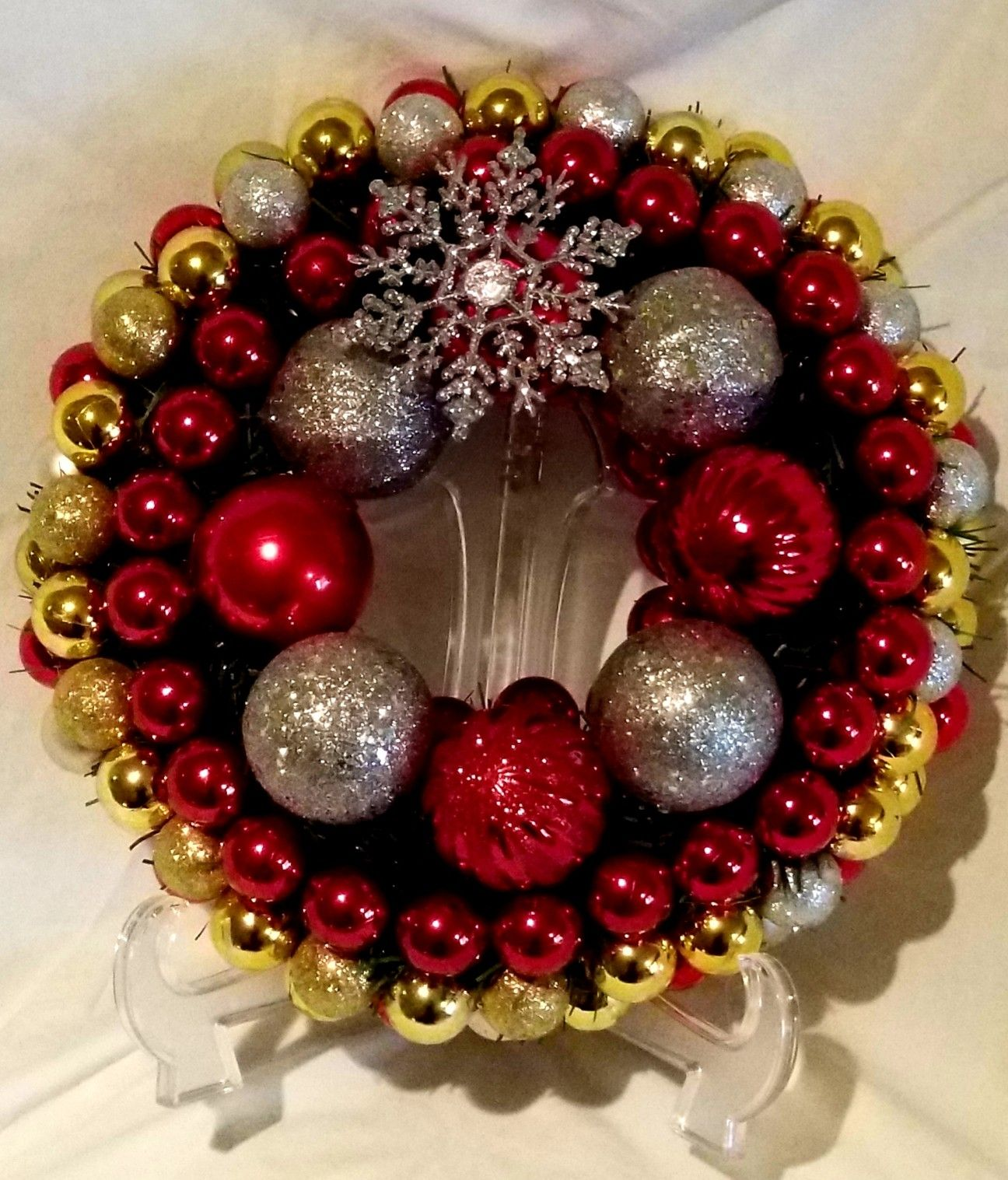 Small Christmas Wreaths.Small Christmas Wreath Red Gold And Silver Dechells