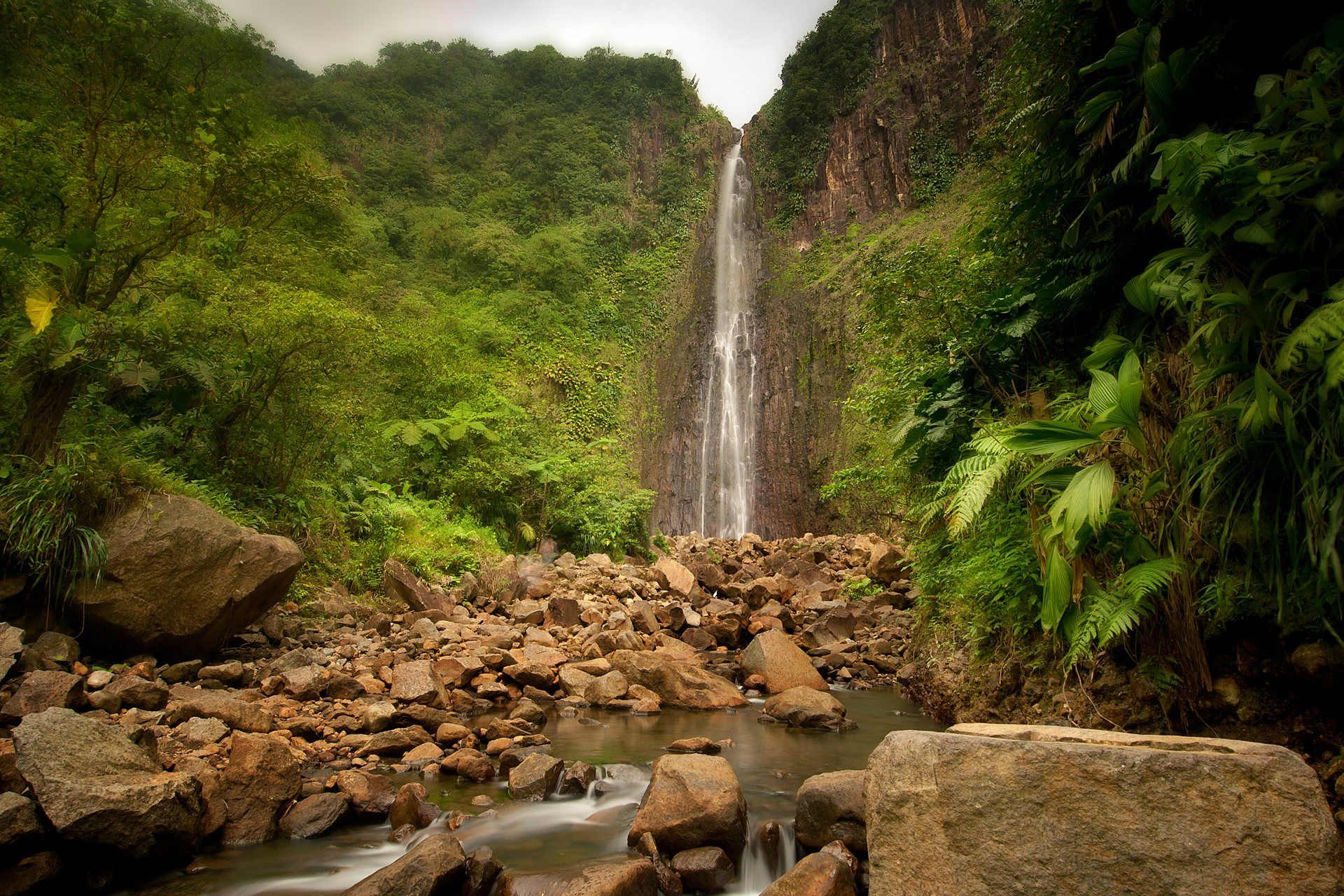 beautifuljungle Waterfall wallpaper, Waterfall