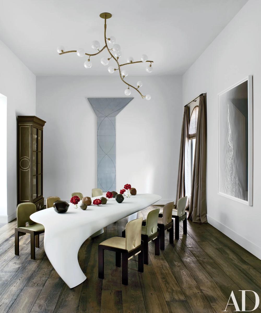 An Avant-Garde California Residence Becomes an Art...