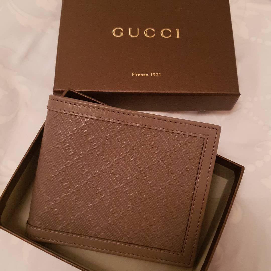 محفظة جوتشي أصلية ب1200 درهم متوفر حبة واحدة فقط Gucci جوتشي Menswallets ماركات ماركات اصليه Card Holder Wallet Gucci
