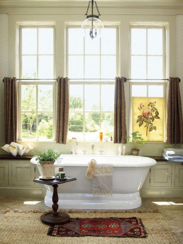 rustikal badezimmer fenster gardinen und vorhänge badewanne | RELAX ...