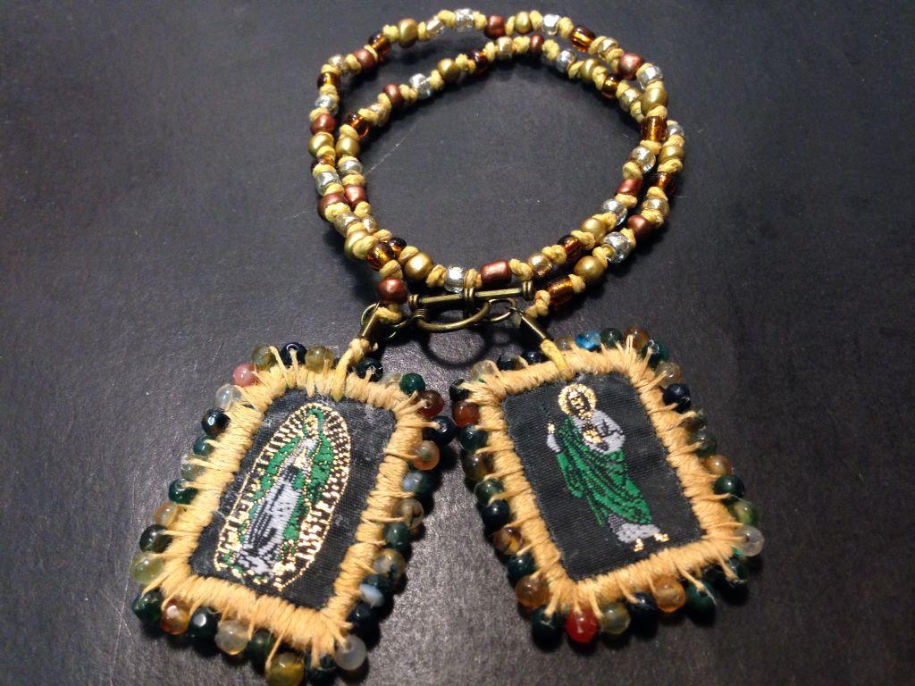 ebf3f741f167 Escapulario San Judas Tadeo. Bordado con piedra ágata.