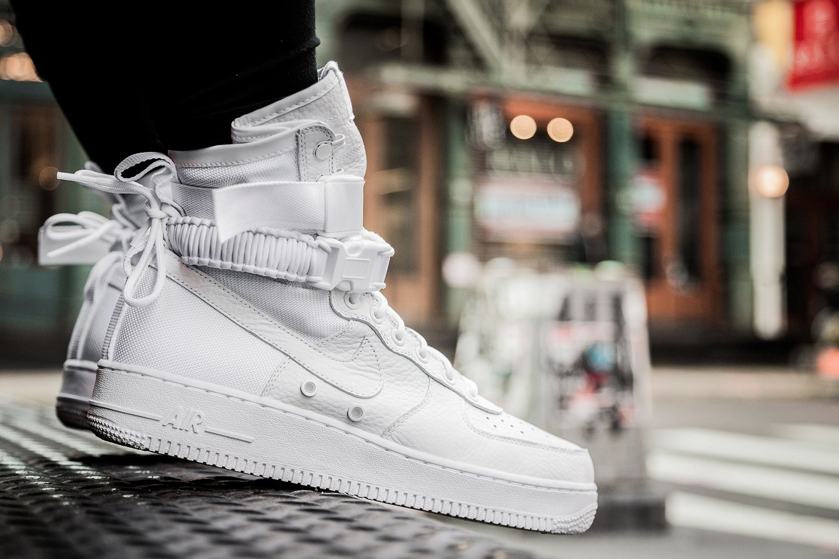 an onfeet look at the nike special field air force 1. Black Bedroom Furniture Sets. Home Design Ideas