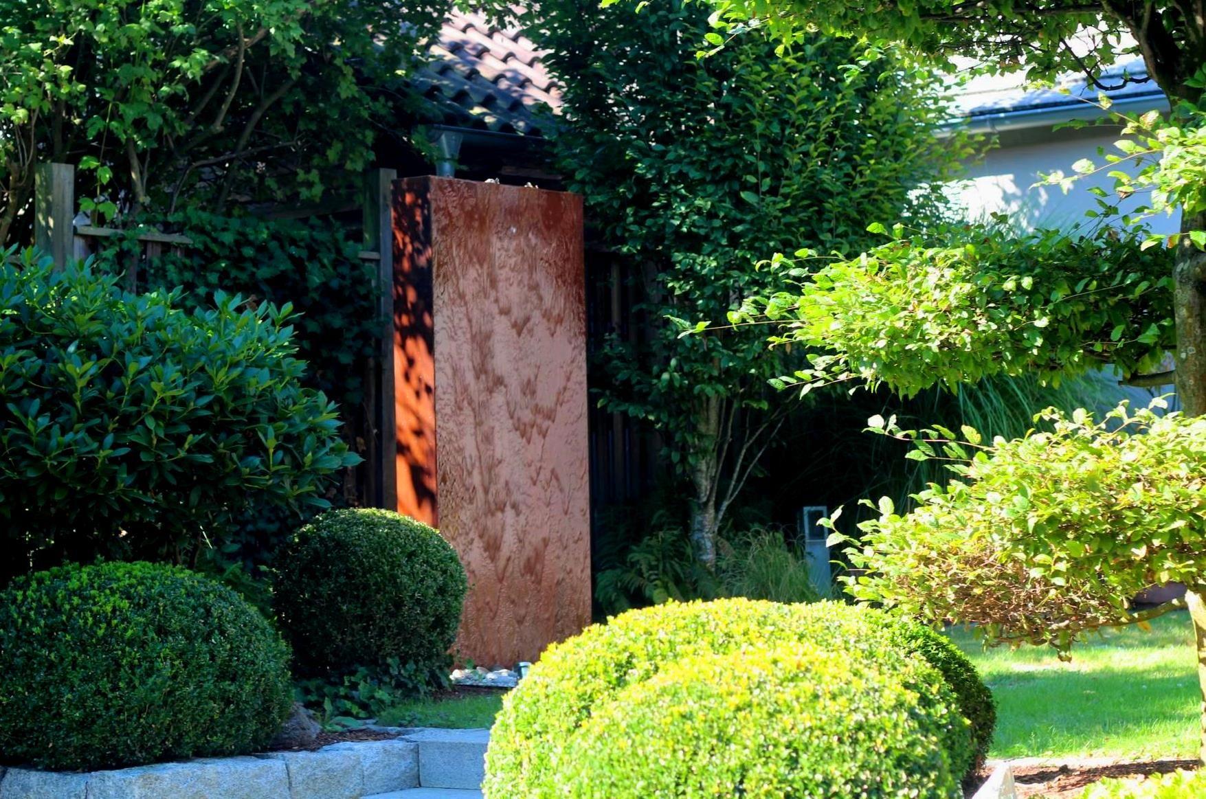 Cortenstahl wasserwand 200 gartenbrunnen im modernen for Gartengestaltung springbrunnen