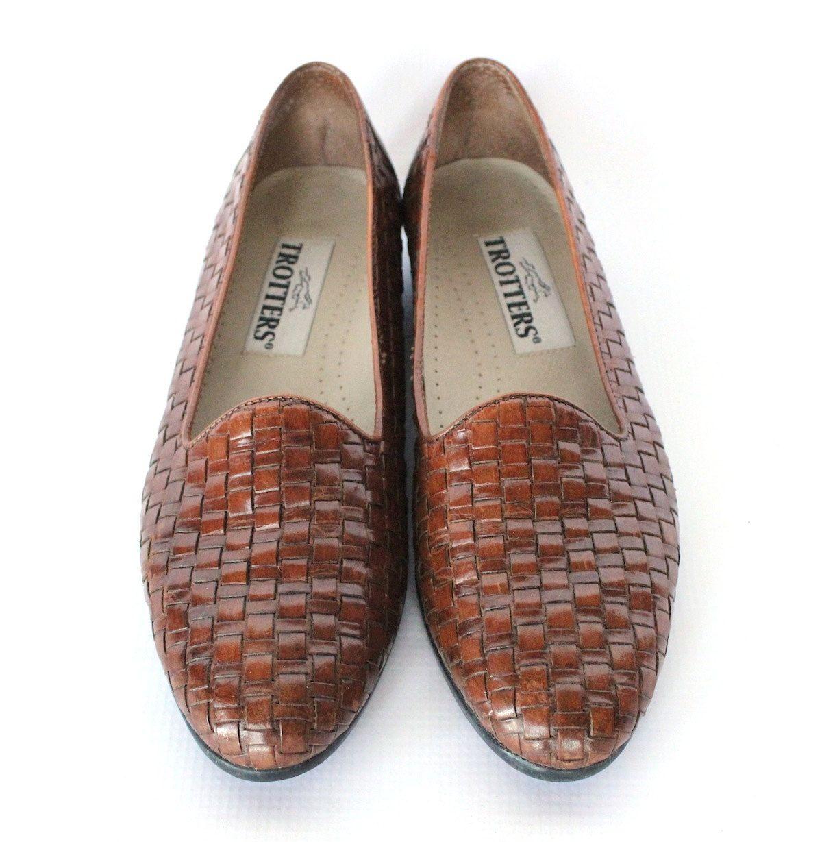 fbfdbe7a6f242 Vintage 80s Warm Brown Woven Leather Flats // Women's Flat Loafer Sz ...