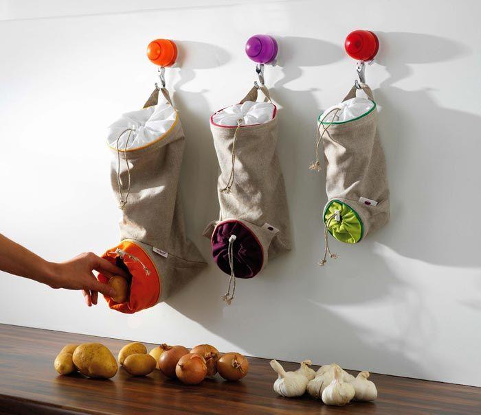 bolsas almacenaje para ajos, cebolla y patatas. DIY? maybe...