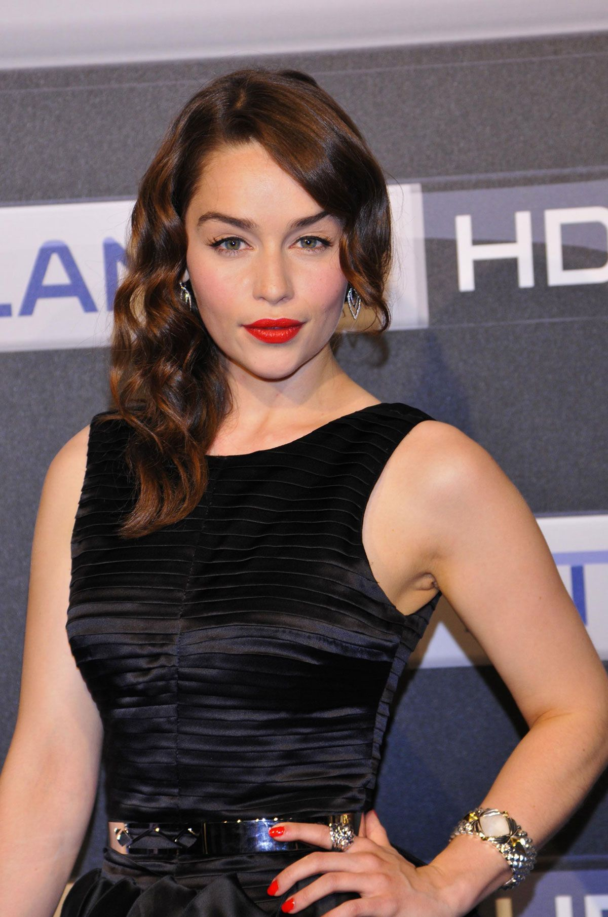 Emilia Clarke Hot Pictures