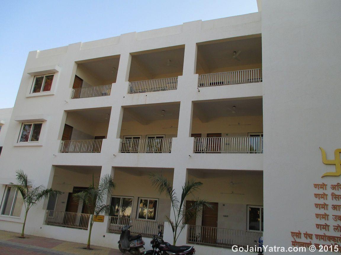 Shri Pravin Mithalal Bhavan,Palitana | Stay in Palitana ...