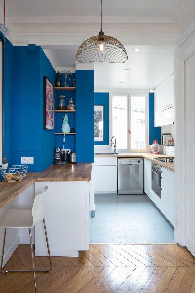 Cuisine ouverte sur le salon : une pièce chaleureuse dans un ...