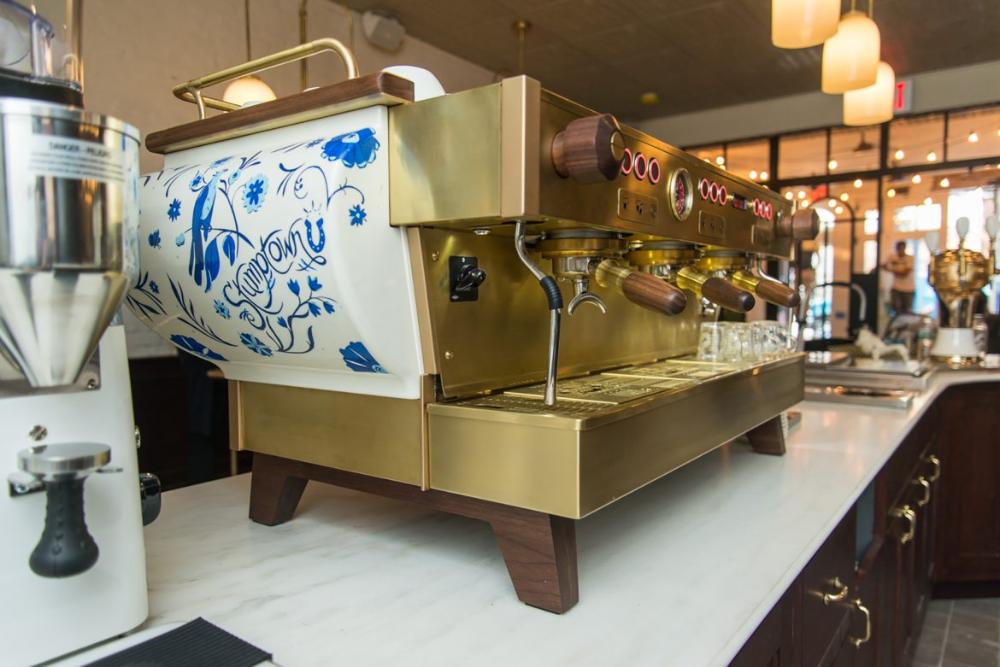 First Look Inside The New Brooklyn Stumptown Coffee Roasters In 2020 Stumptown Coffee Stumptown Coffee Roasters Coffee Roasters