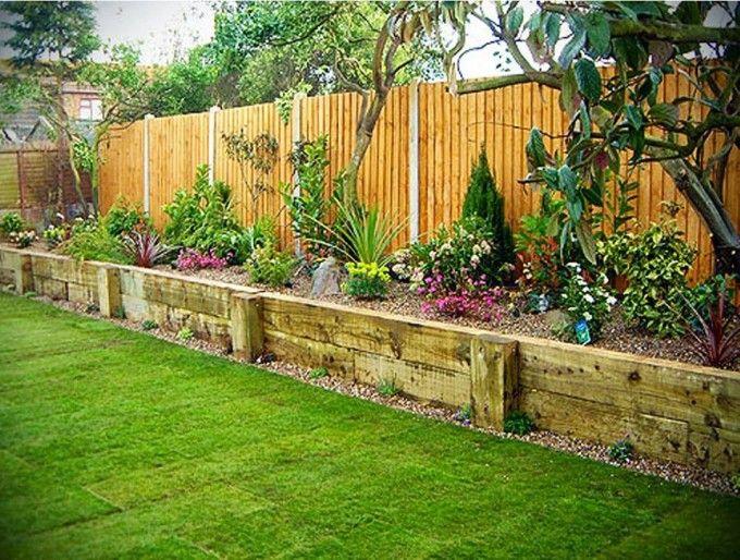 Reihenhausgarten mit Hochbeeten und Rasen gestalten - garten selbst gestalten tipps