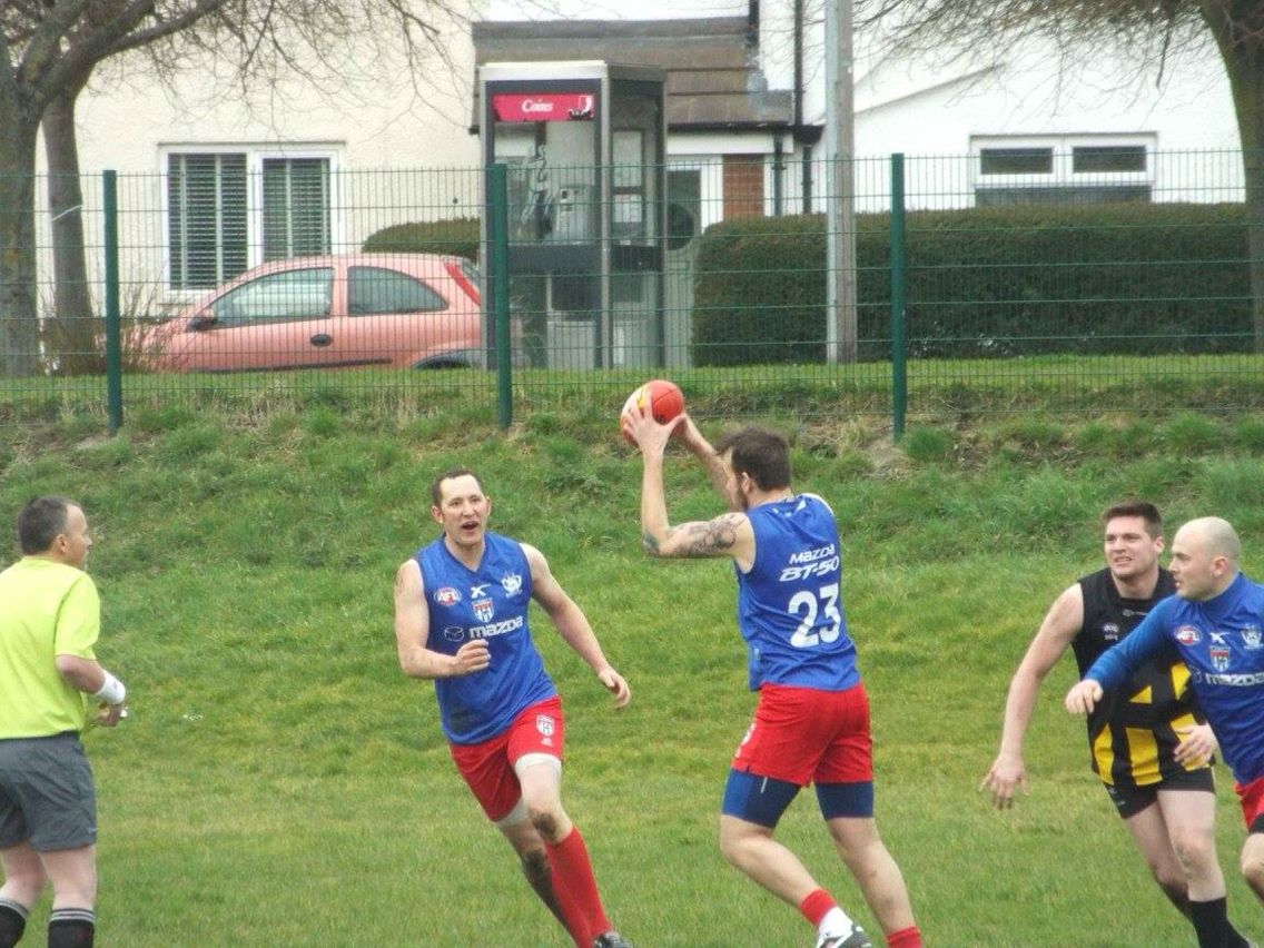 Pass and move Contact sport, Australian rules