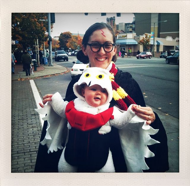 Costume of the day A mom and her baby as Harry Potter and his owl  sc 1 st  Pinterest & Favorite costume of the day. A mom and her baby as Harry Potter and ...