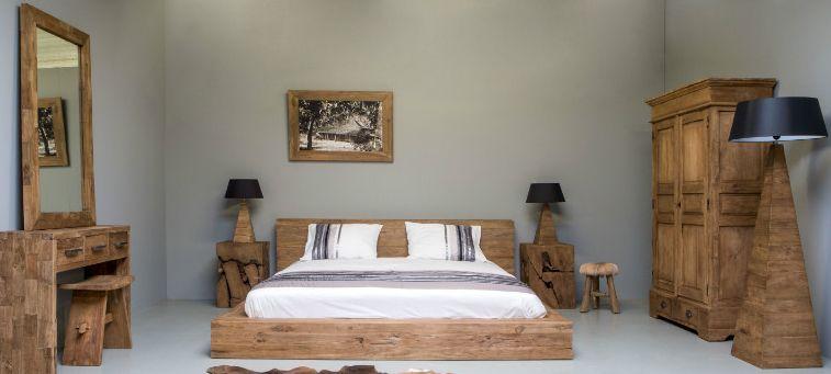 de slaapkamer ingericht met mooie meubels van teakhout plank nice ideas bulletin board