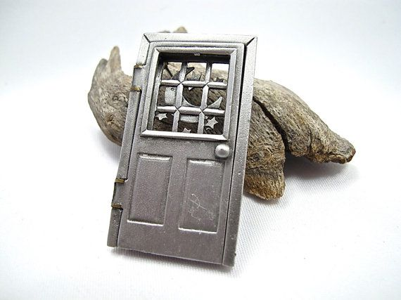 Jonette Jewelry Hinged Door Pin Mechanical by LostMarblesVintage, $15.00 Etsy.com