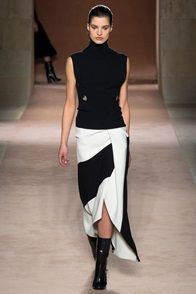 Victoria Beckham Look #16