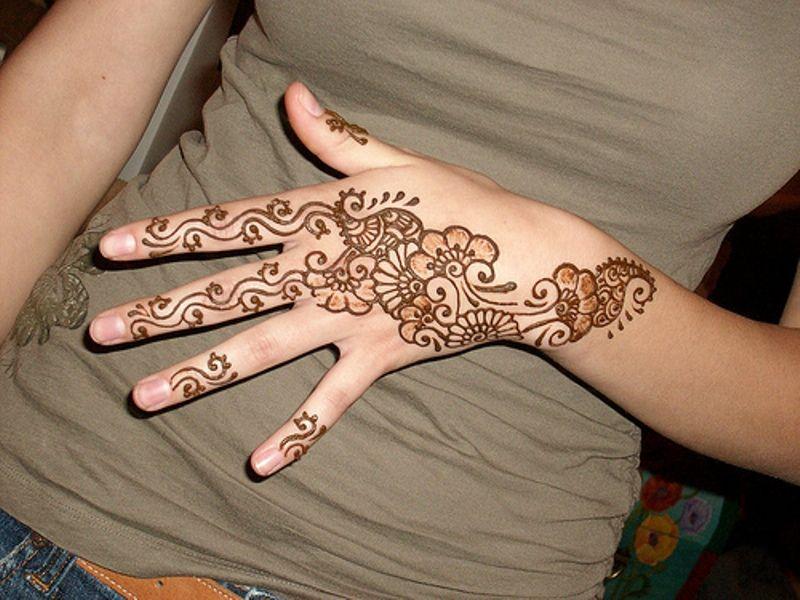Cute Mehndi Tattoo : Cute henna designs for hand t a o s