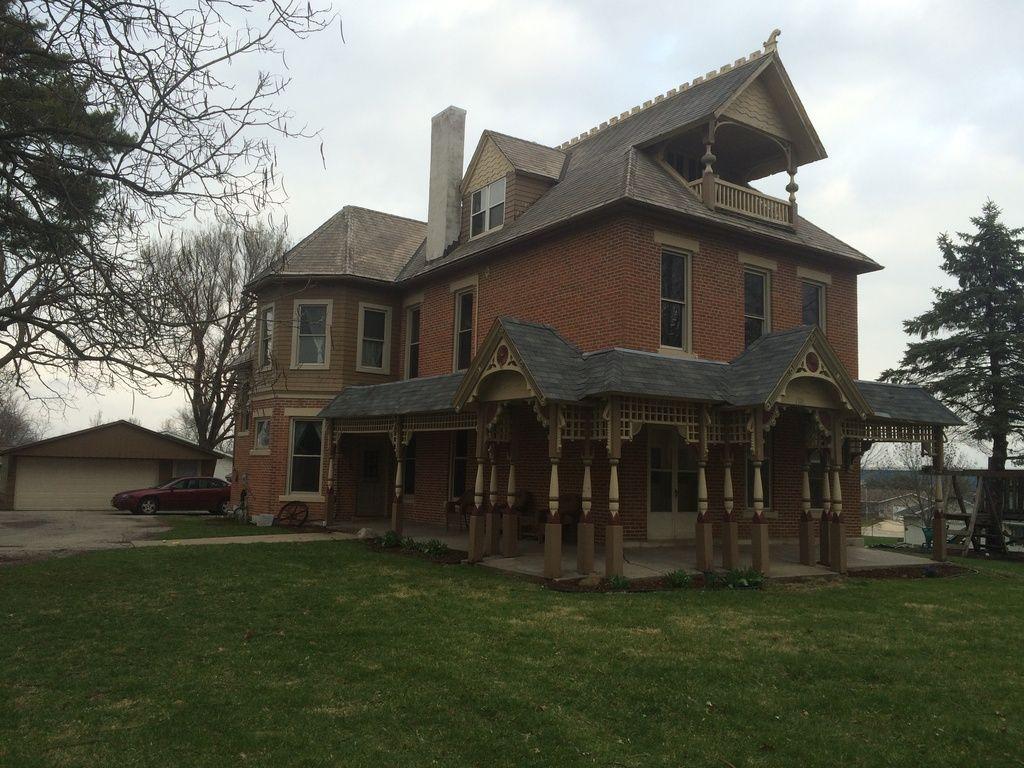 1301 E Monroe St Mount Pleasant Ia 52641 Mls 5361862 Fancy Houses Historic Homes Mount Pleasant