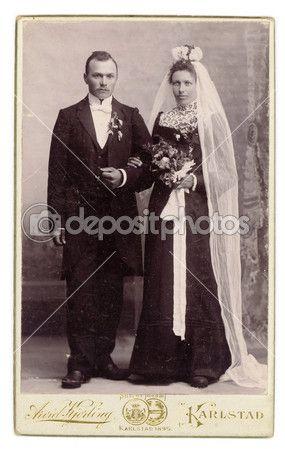 svart klänning på bröllop
