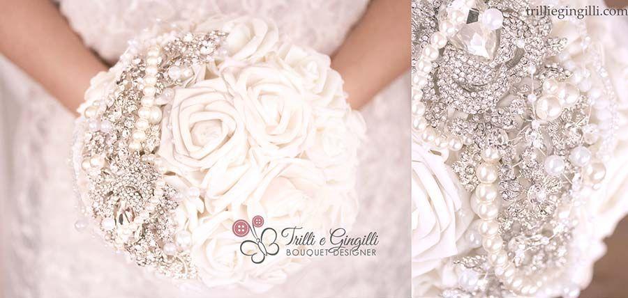 Bouquet di rose bianche gioiello. White bouquet. Scoprine tanti altri qui: http://www.trilliegingilli.com/bouquet-sposa-rose-bianche/