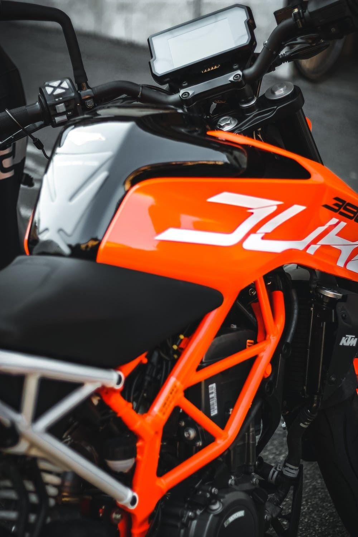 KTM Duke 390 in 2020 Cool bikes, Ktm, Ktm duke