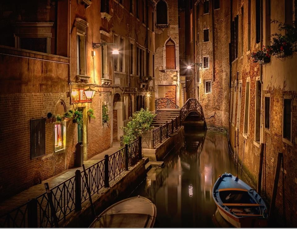 Notte a Venezia, Italia