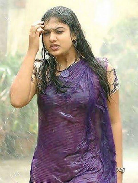 Tamil Actress Hot Wet Saree Unseen Images Collection