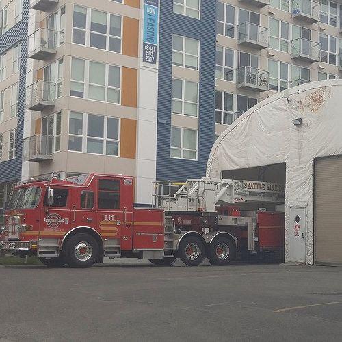Seattle fire dept ladder 11 | Fire/Rescue | Fire dept, Fire