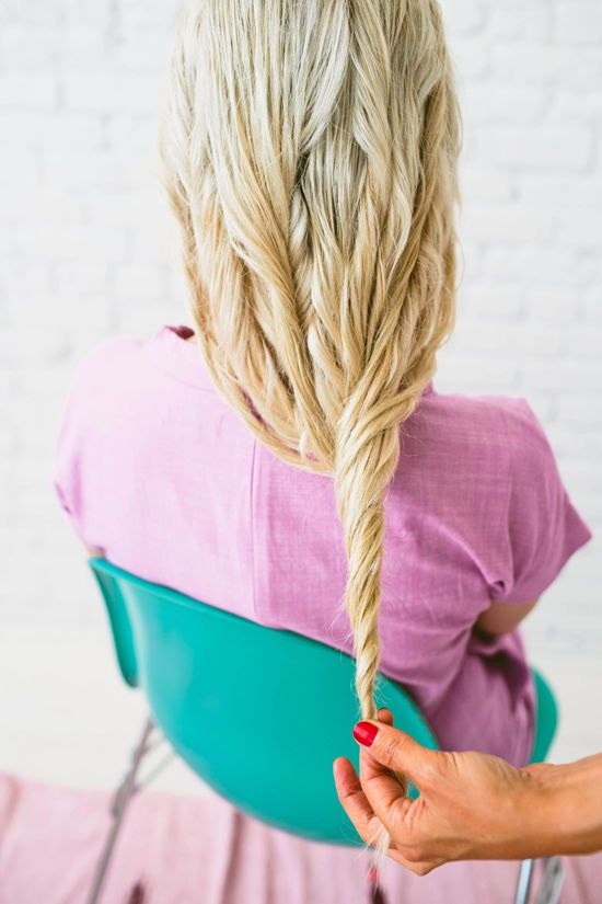 twist hair while air-drying to get summer waves without using heat #curly #hair #twist