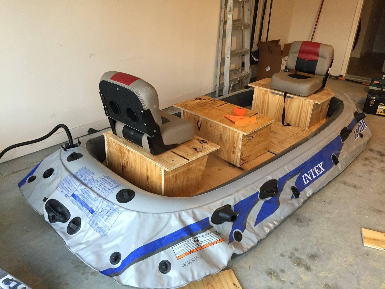 Amazon.com  Intex Excursion 5 5-Person Inflatable Boat Set with Aluminum & Amazon.com : Intex Excursion 5 5-Person Inflatable Boat Set with ...