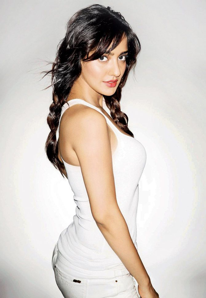 Most Gorgeous Actresses of India - Top 15 Beautiful Indian Girls 1