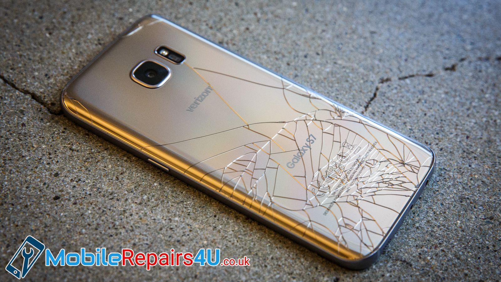 Repairing Damaged Rear Of Your Mobile Phone Is As Easy As Child S Play For Mobilerepairs4u Get Your Fixes Booked